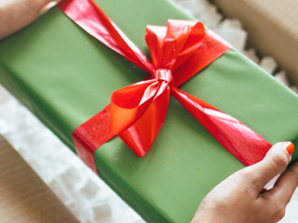 For maximum impact, combine sales and shipping promotions during the holiday season.