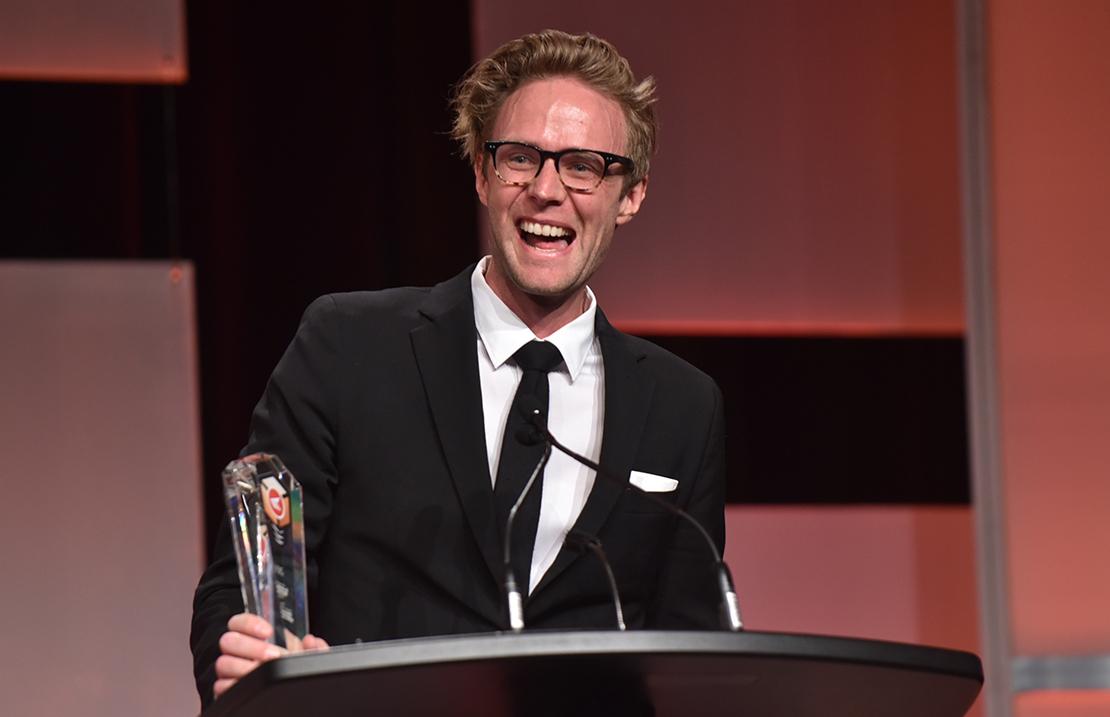 Duncan Blair, directeur du Marketing à l'entreprise Article, a accepté le prix de l'Entreprise point-com de l'année (grande entreprise).